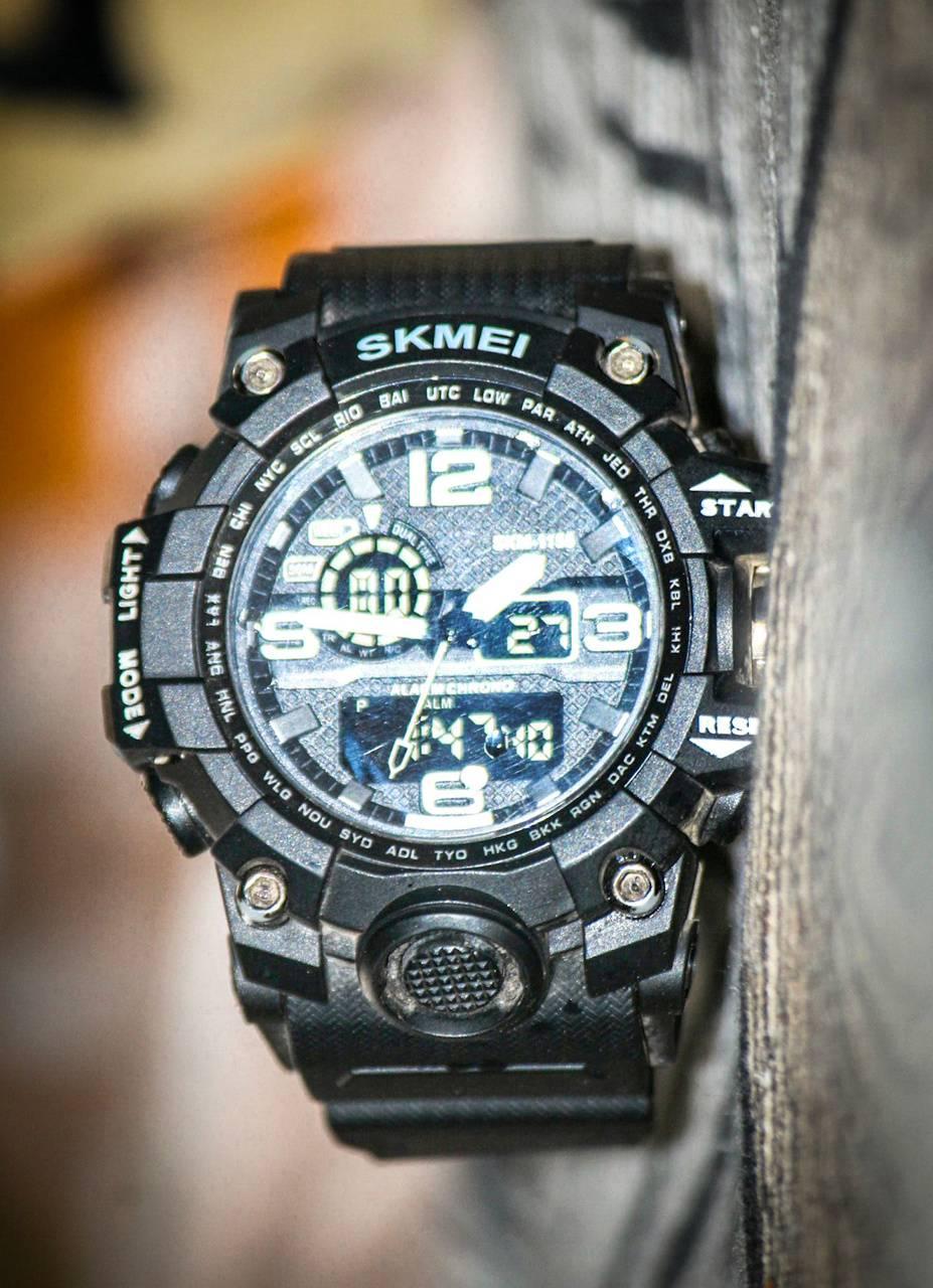 Skemi digital watch
