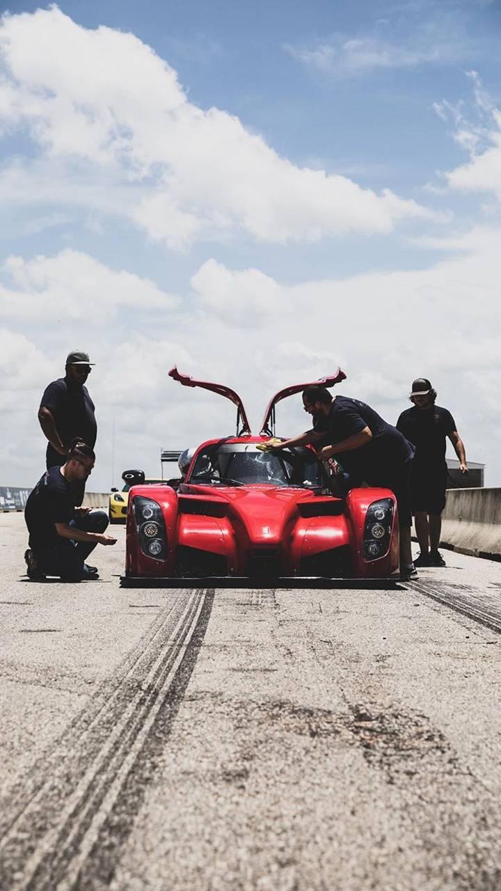 Race Cadillac