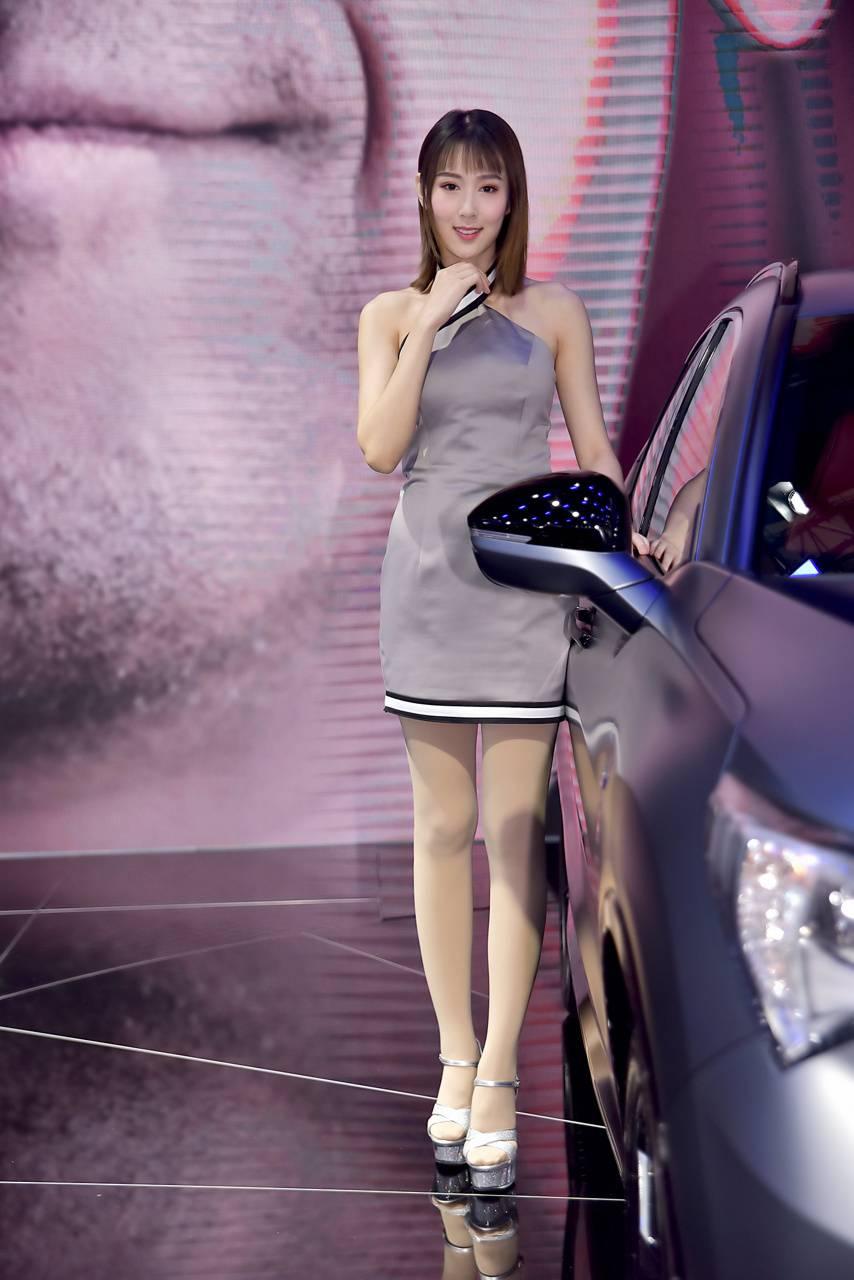 models Celebrity car