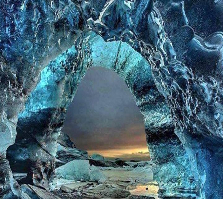 Amazing Ice Wave