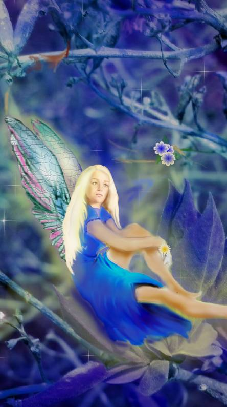 Fairy in tree 5