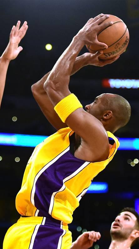 Kobe Bryant 24 jumpe