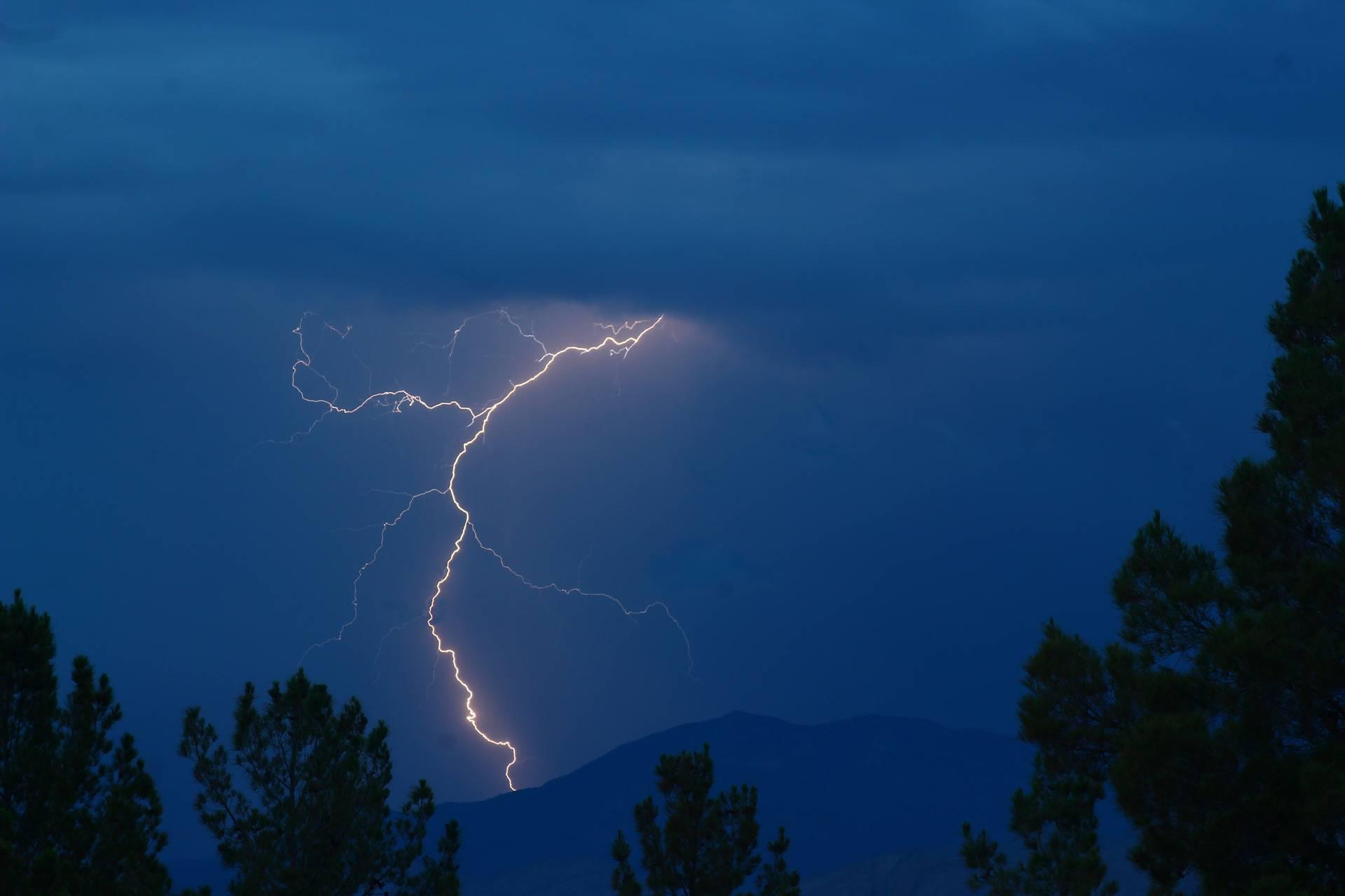Nevada Lightning