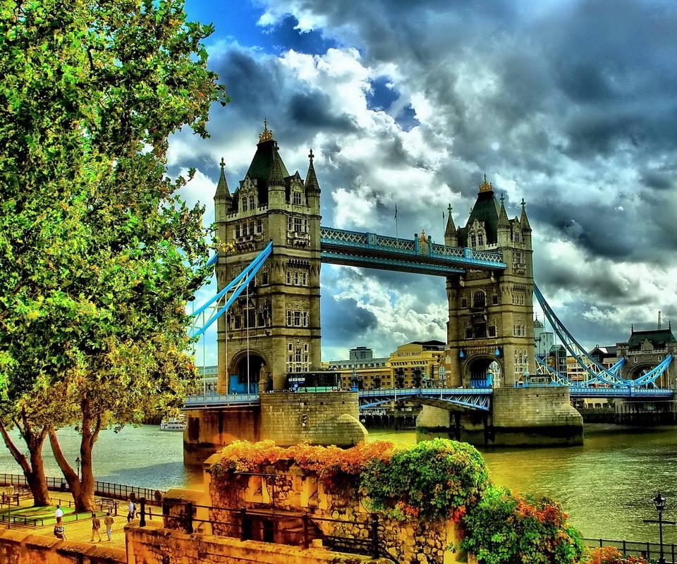Autumn in London