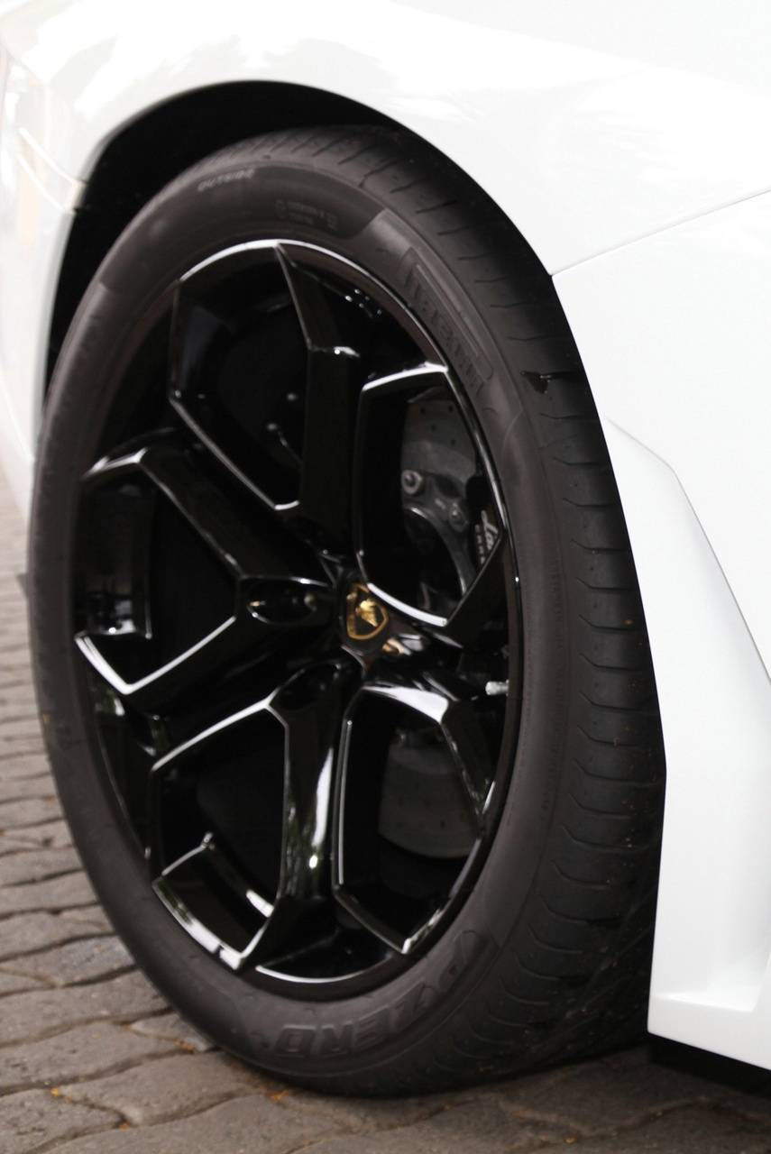 Aventador Wheel
