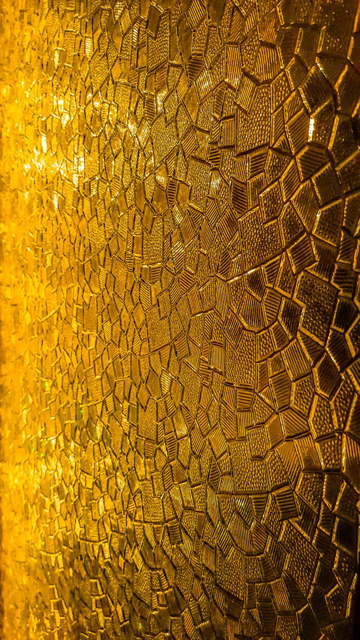 Honeycomb amber