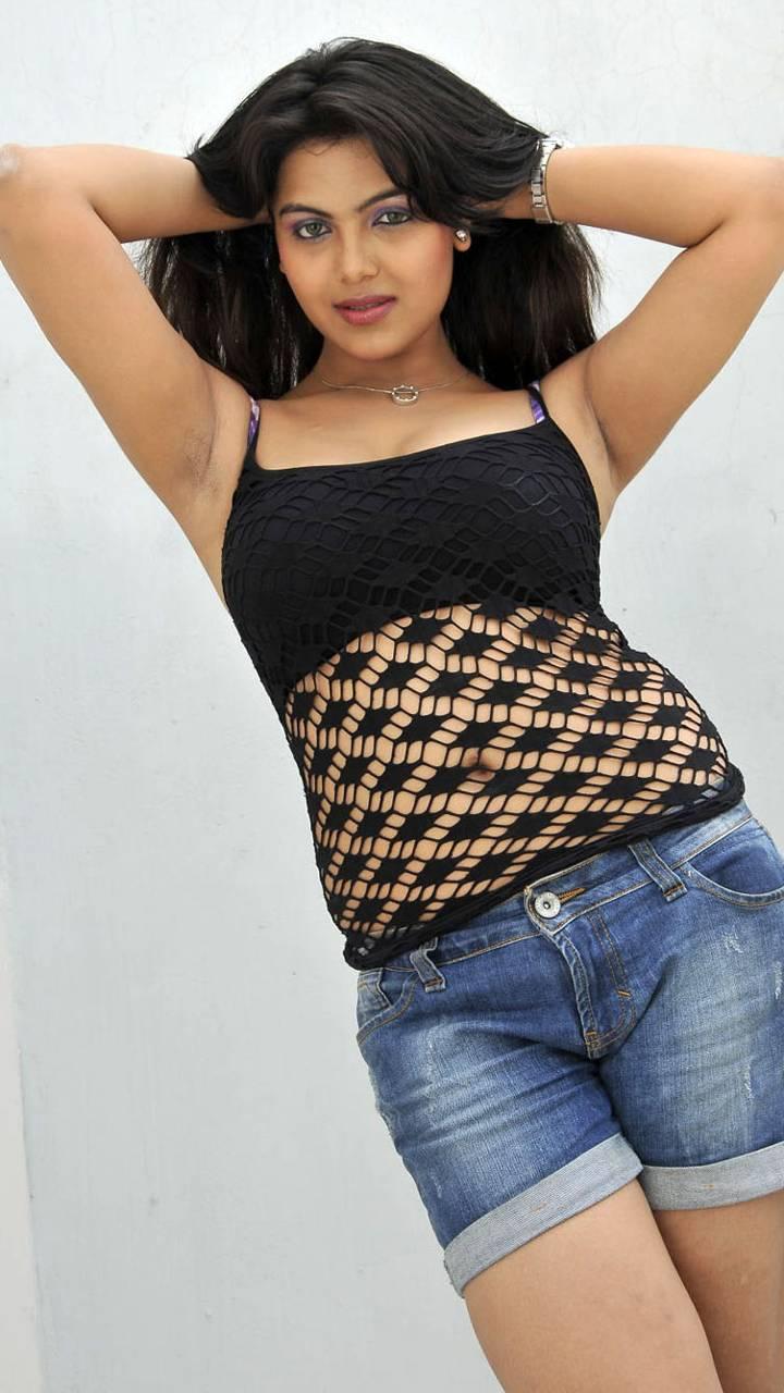 Priyanga Hot