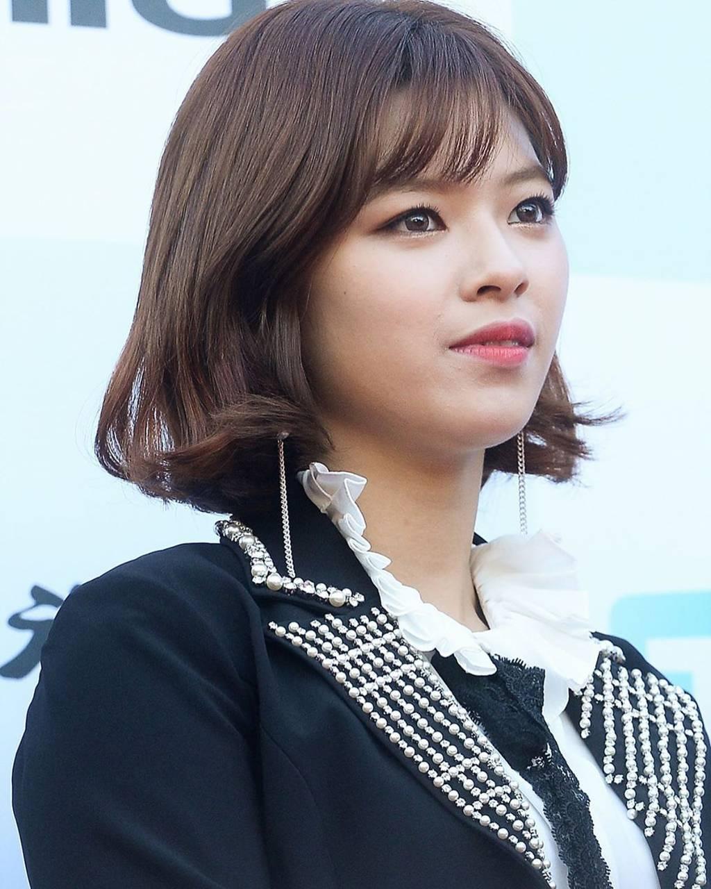 Jeongyeon17
