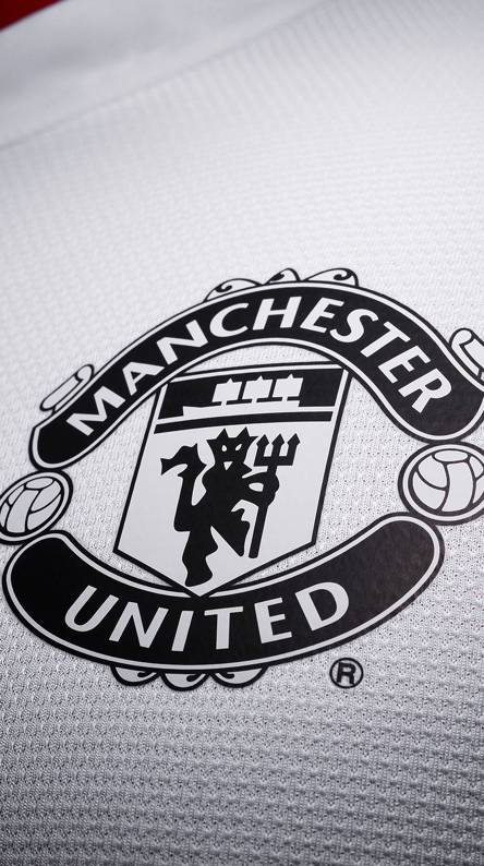 Manchester united wallpapers free by zedge manchester united voltagebd Choice Image