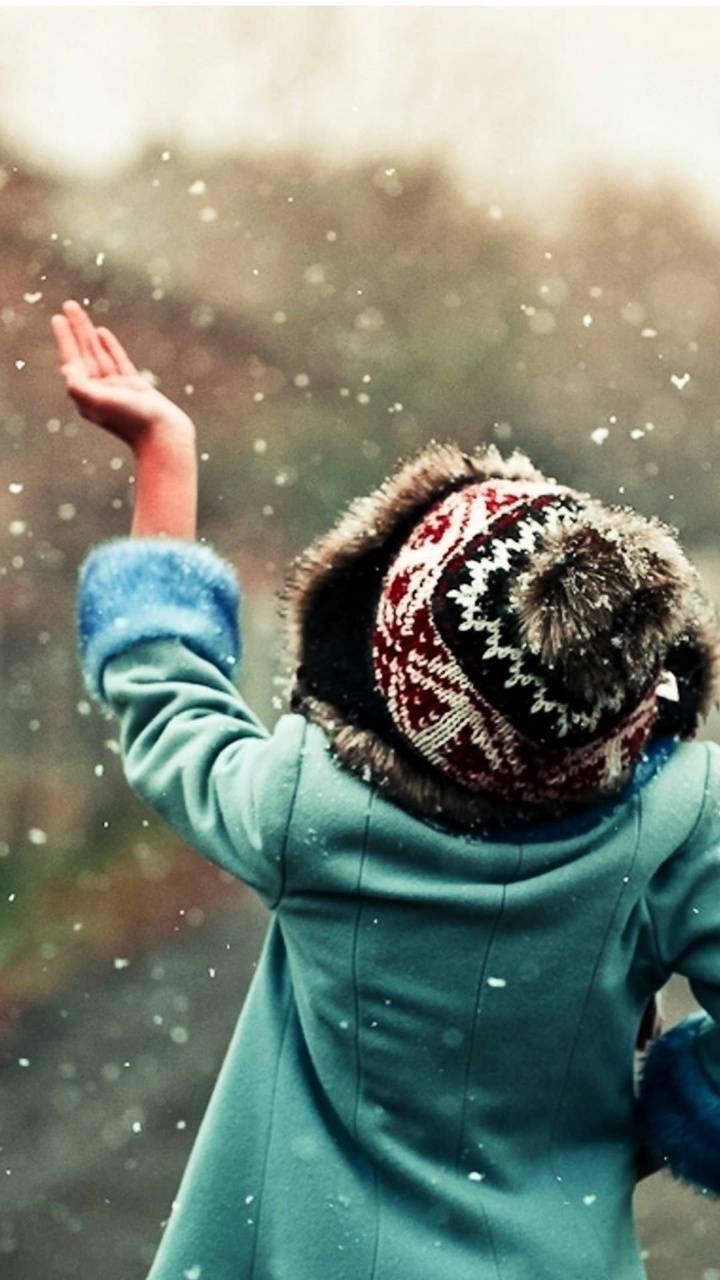 Iphone snow girl