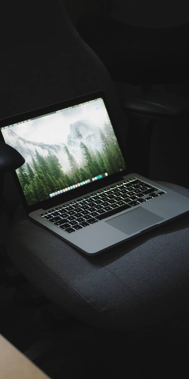macbook uhd