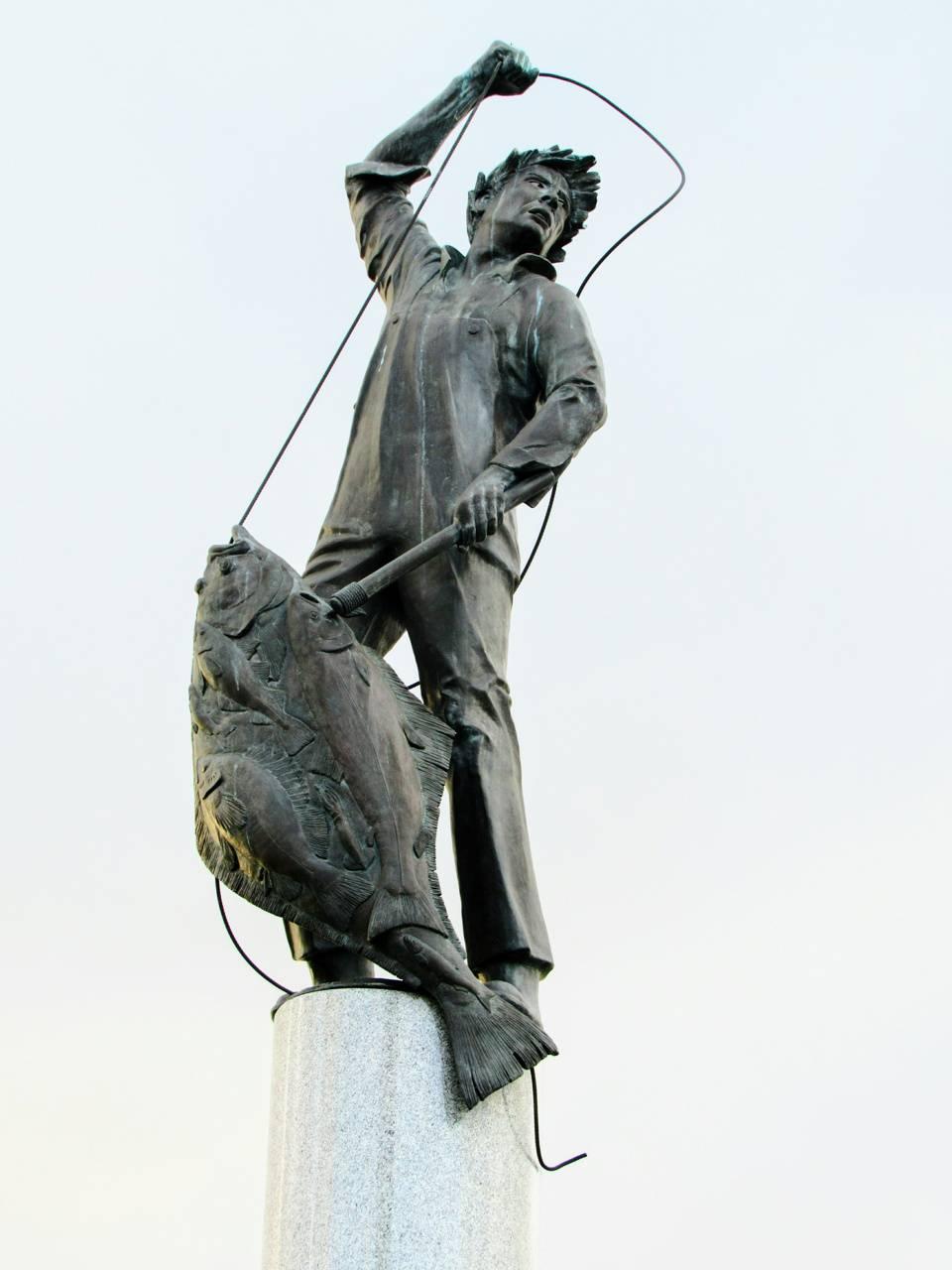 SeattleHarbor statue