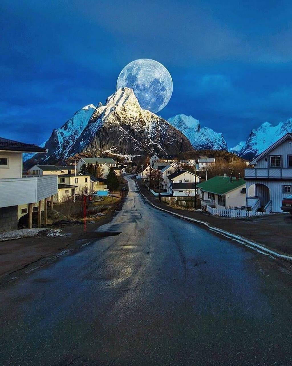 Noruega moon