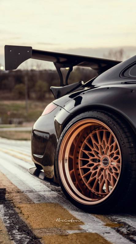 PORCHE WIDEBODY