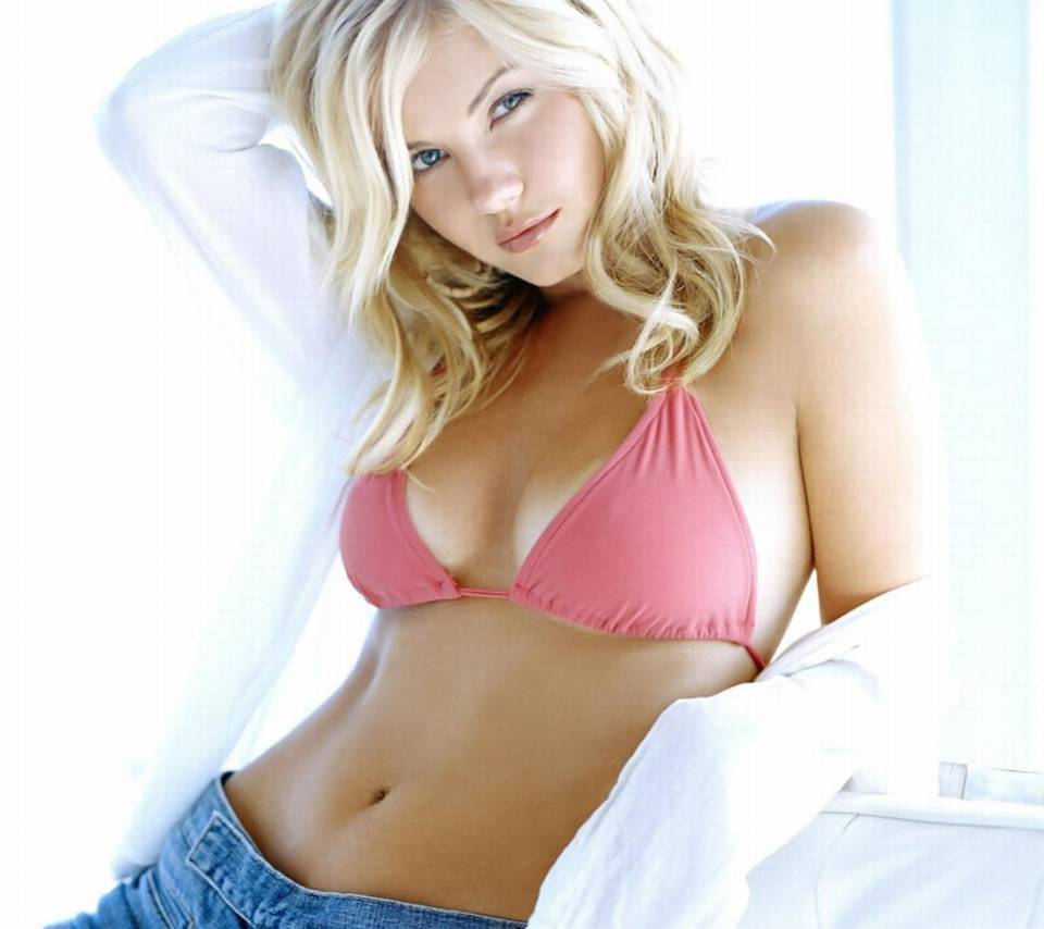 Elisha cuthbert hot in socks 6