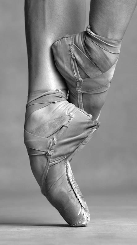 Dancing Feet Too