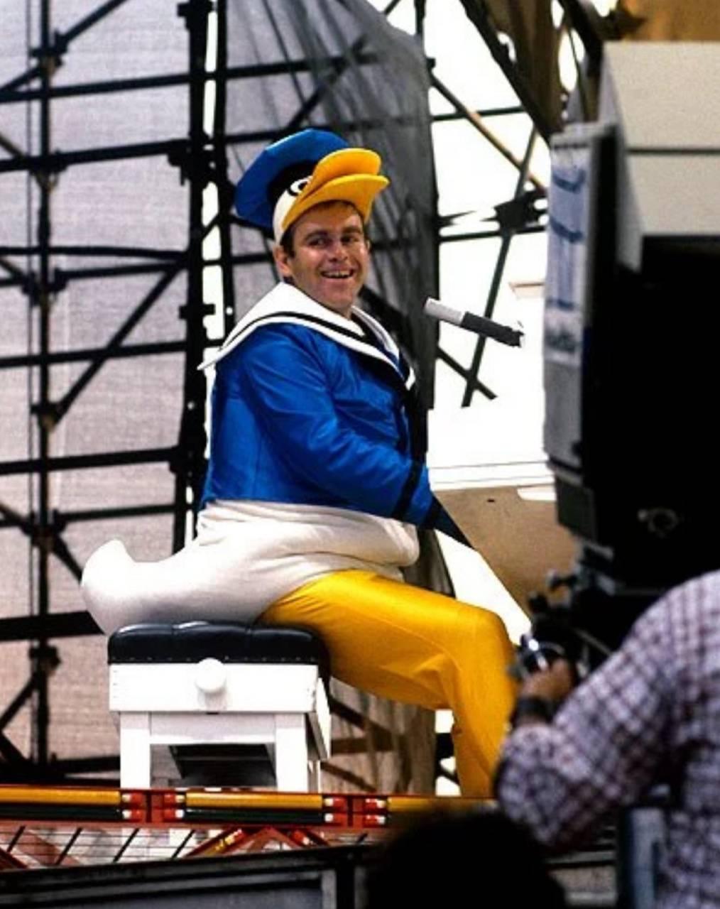 Elton John Duck 2