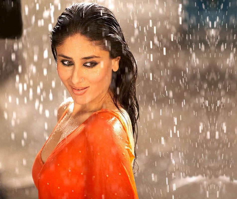 Kareena In Saree