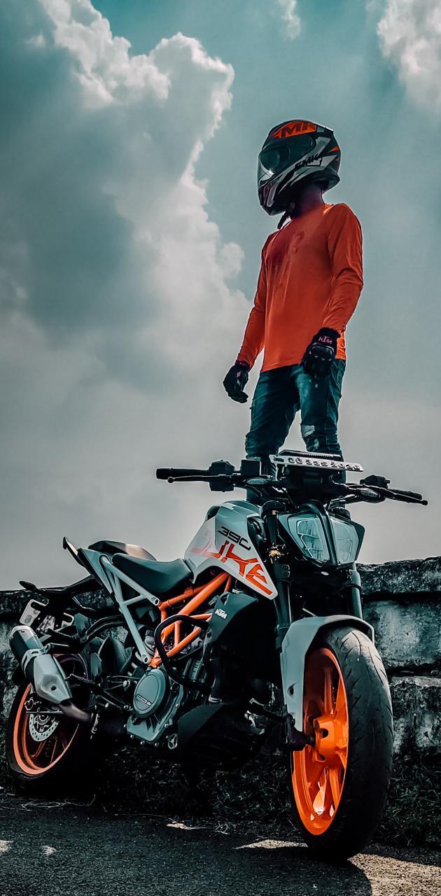 Duke 390 rider