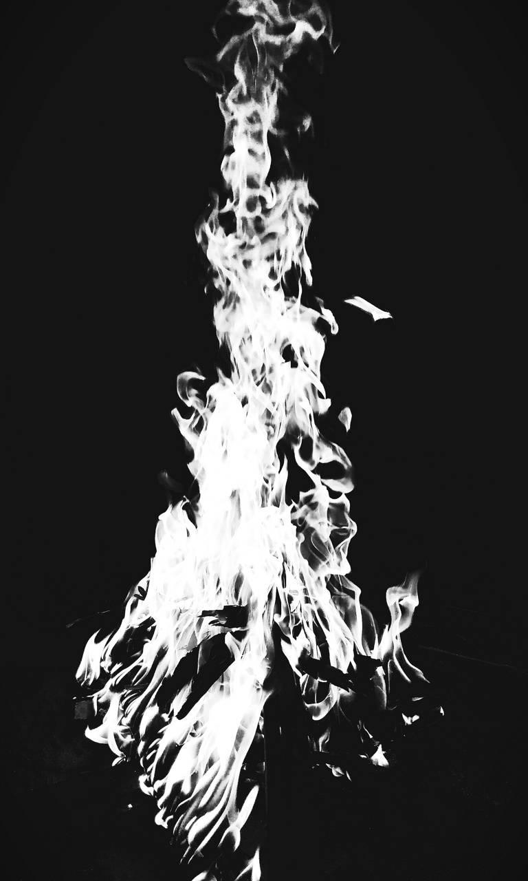 abisso Il fuoco bianco di Alzrius - autore ignoto pubblicazione incerta © dell'autore