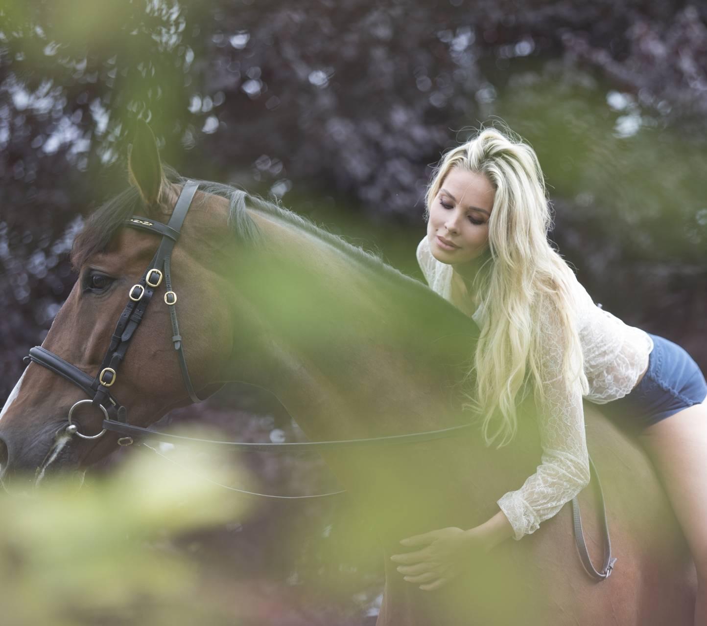 Monica Hansen Horse
