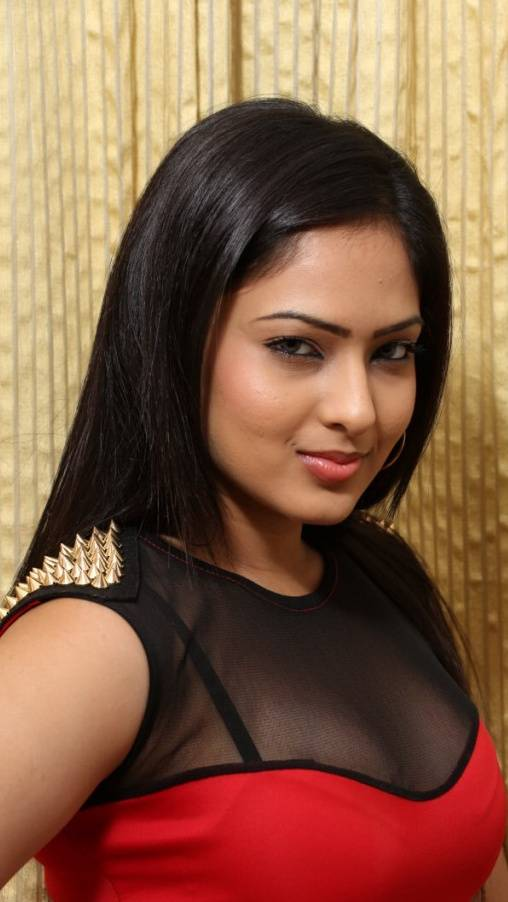 Nikesha Patel Hot