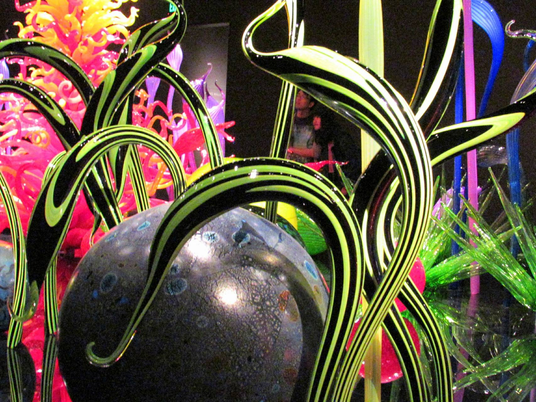 Chihuly green black