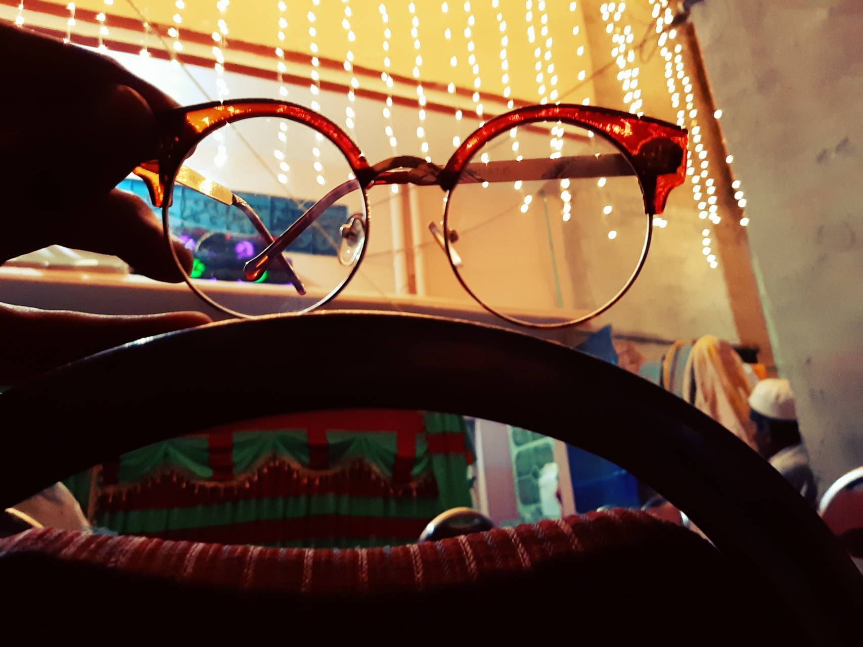 glasses light