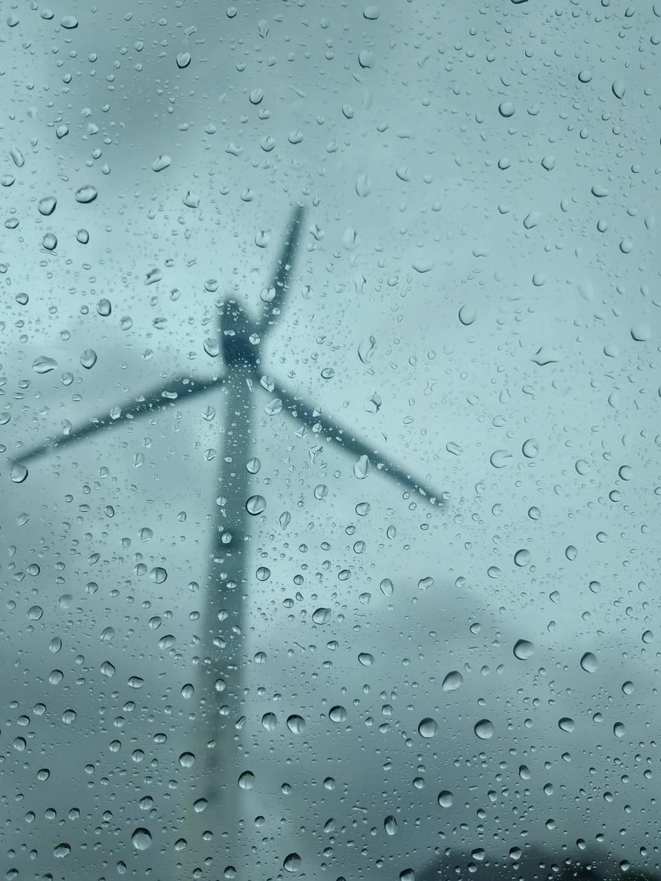 Windmill on droplets