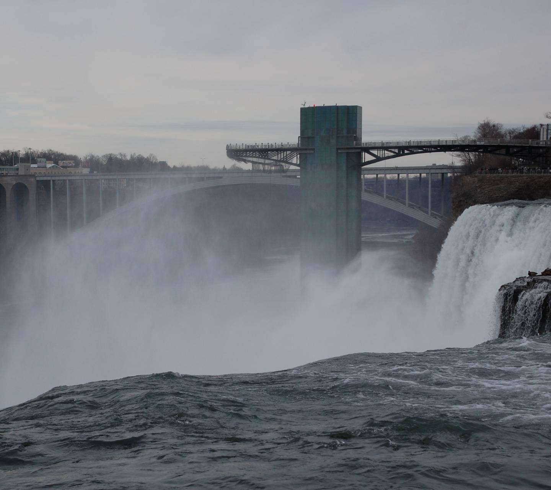 Niagara Precipice