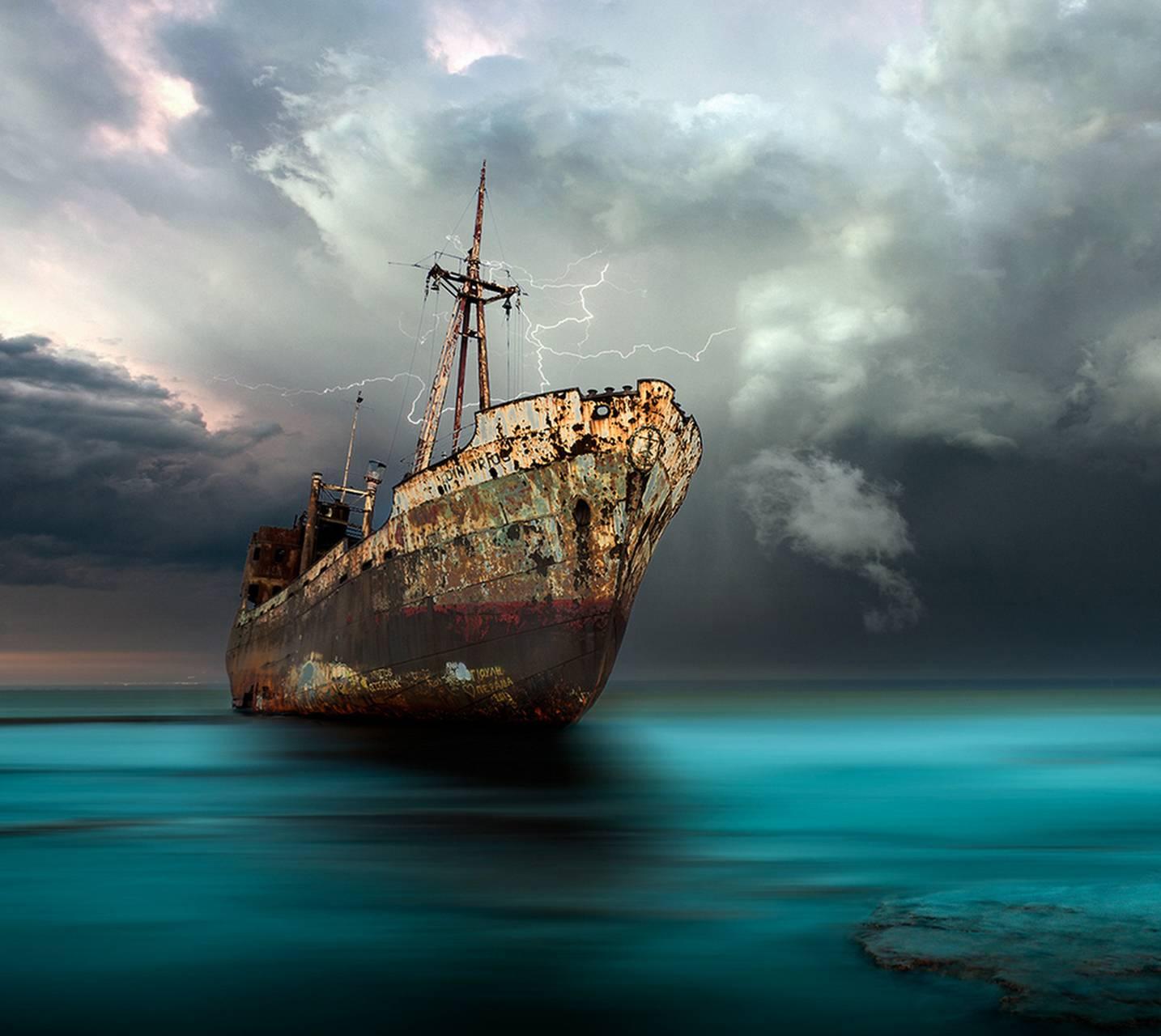 a dead ship