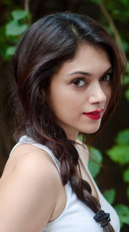 Aditi Sharma Ringtones And Wallpapers Free By Zedge