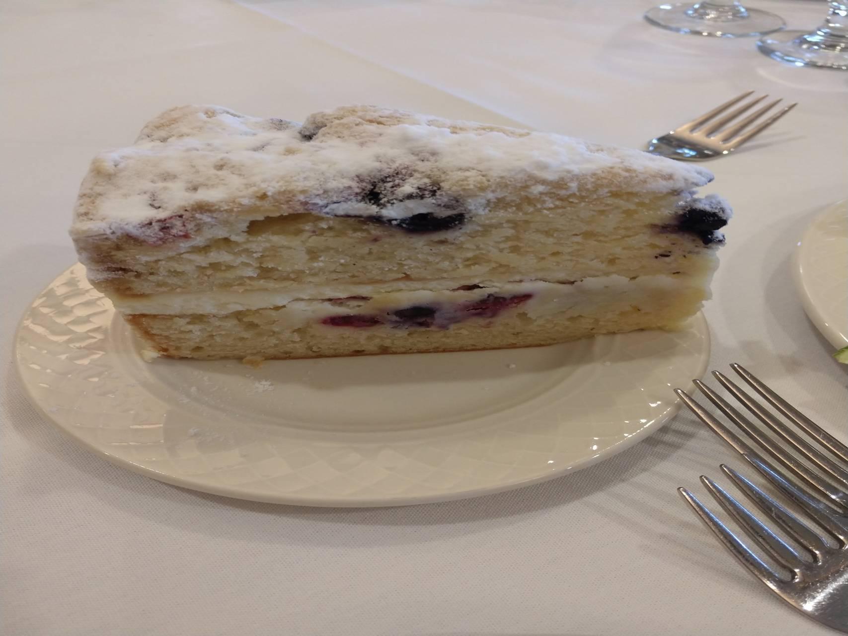 Lemon Berry Cake