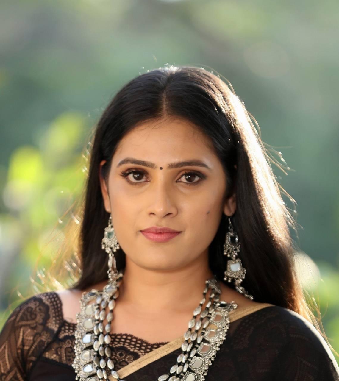 Anusha Parda