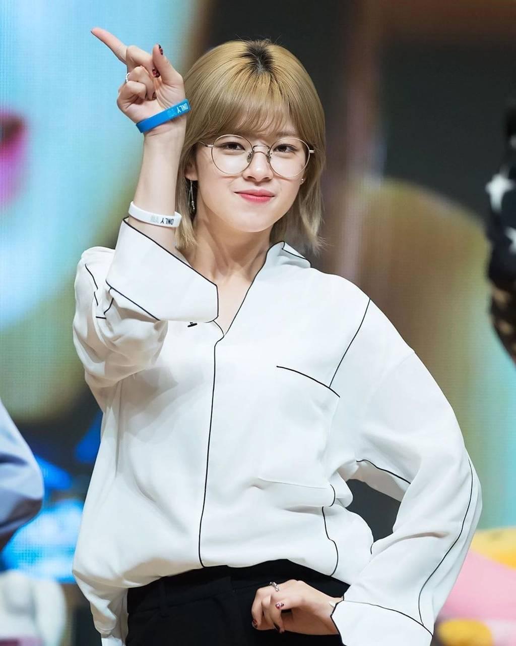 Jeongyeon14