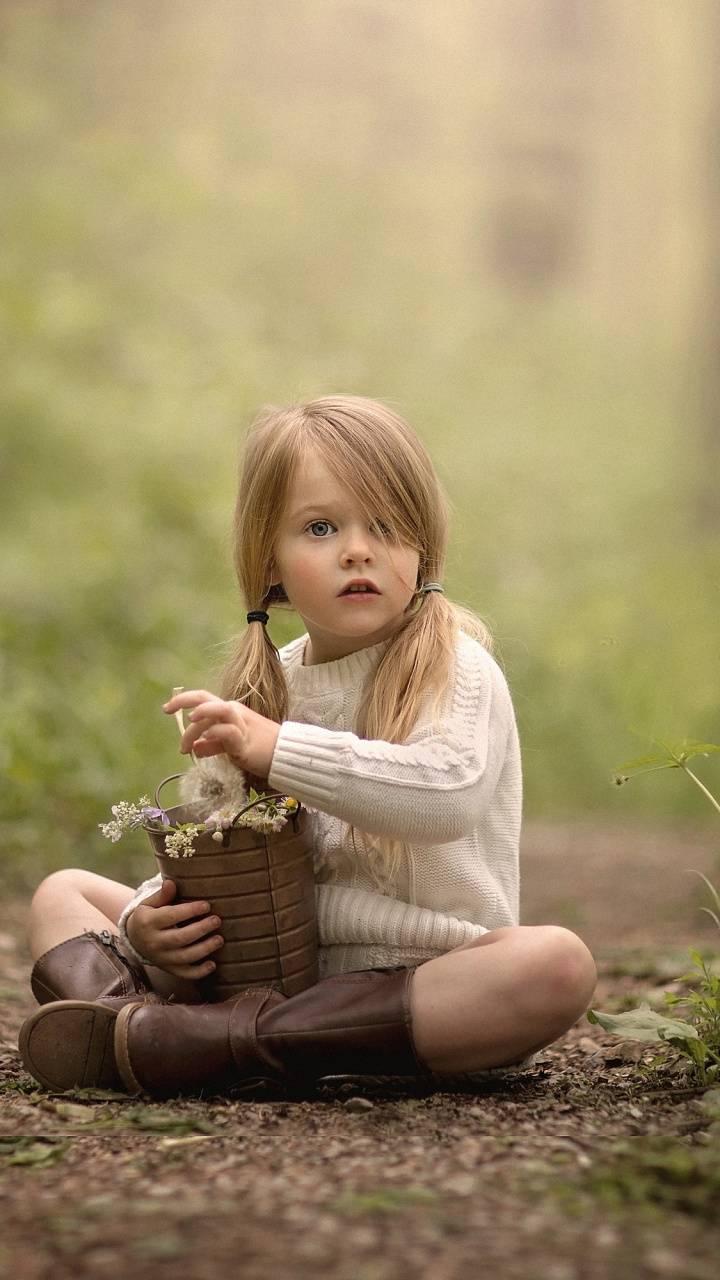 child blonde