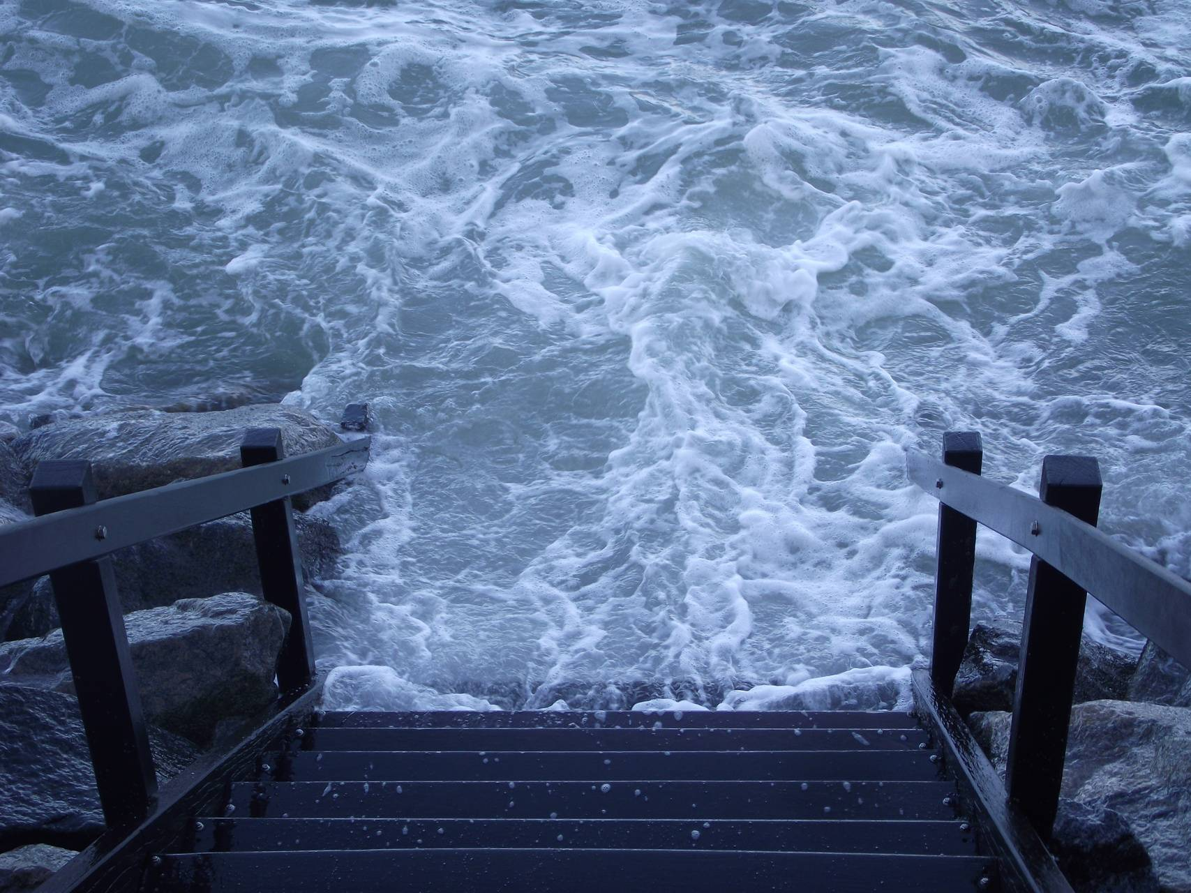 Waves on stairs