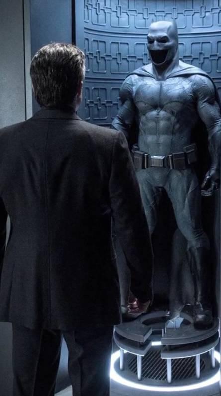B v S Bruce Wayne