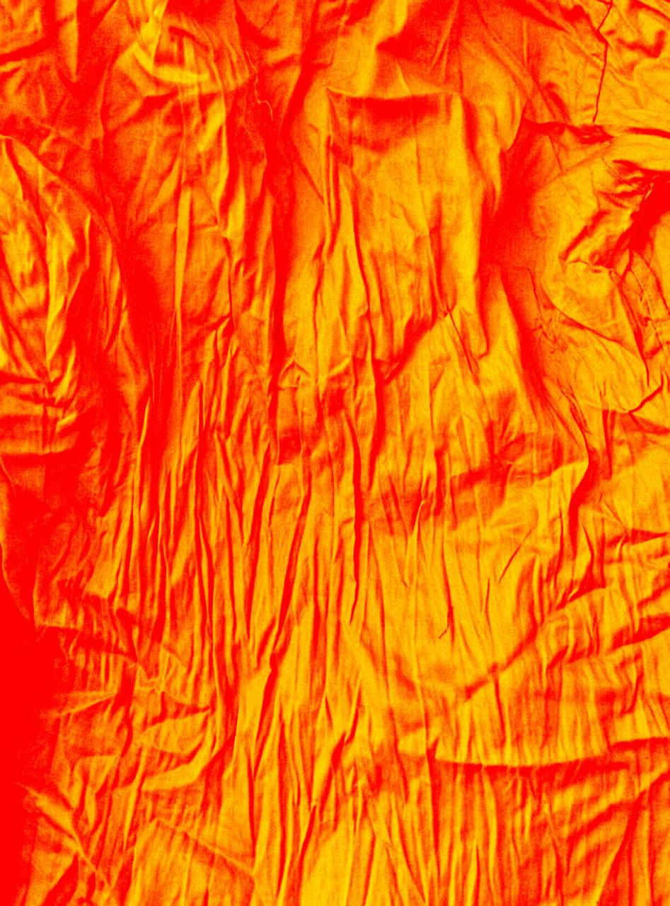 Golden red wallpaper