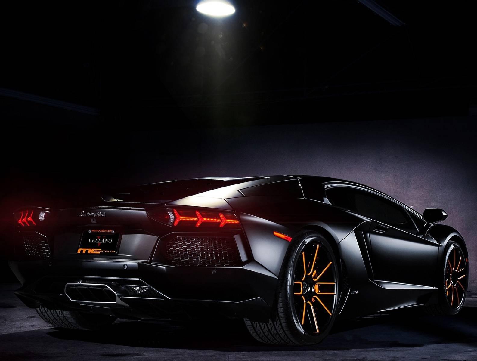 Black Aventador