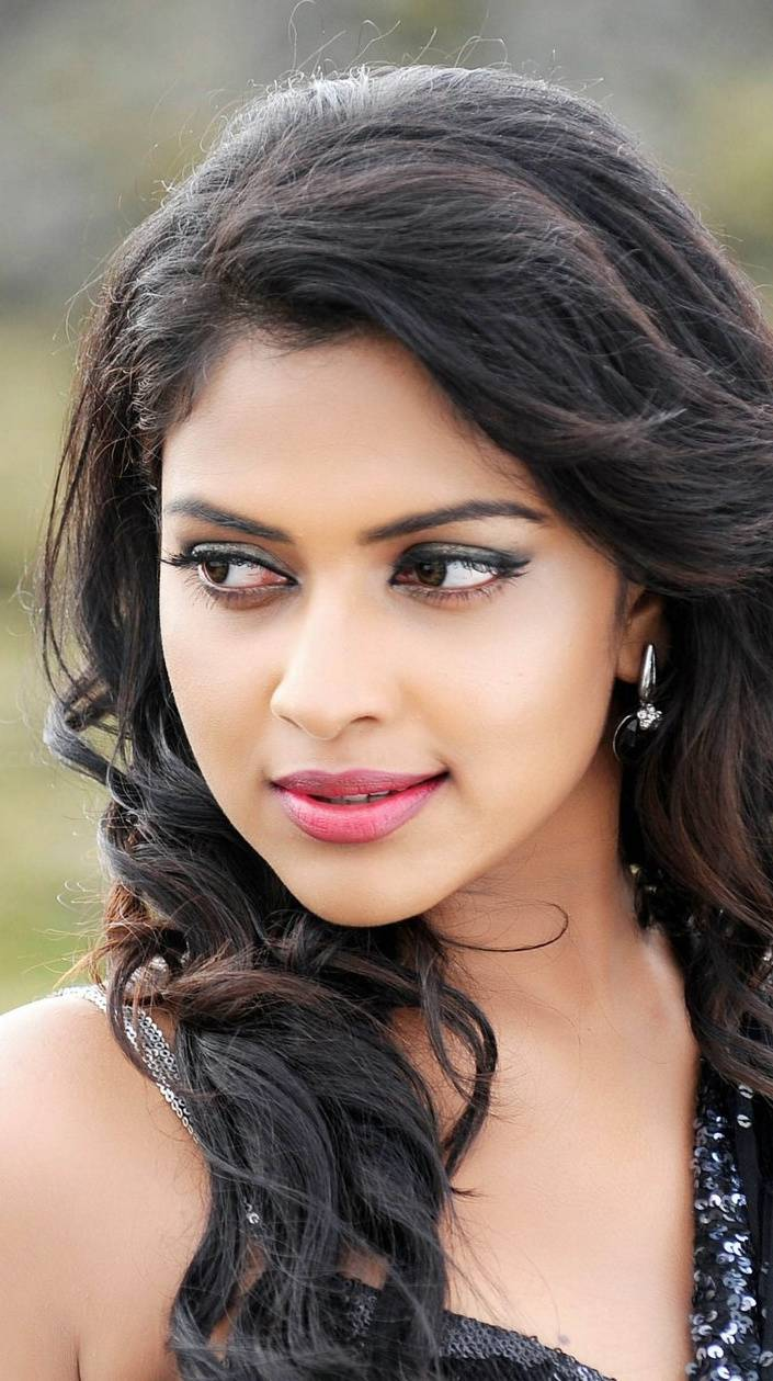 Amala Paul Cute