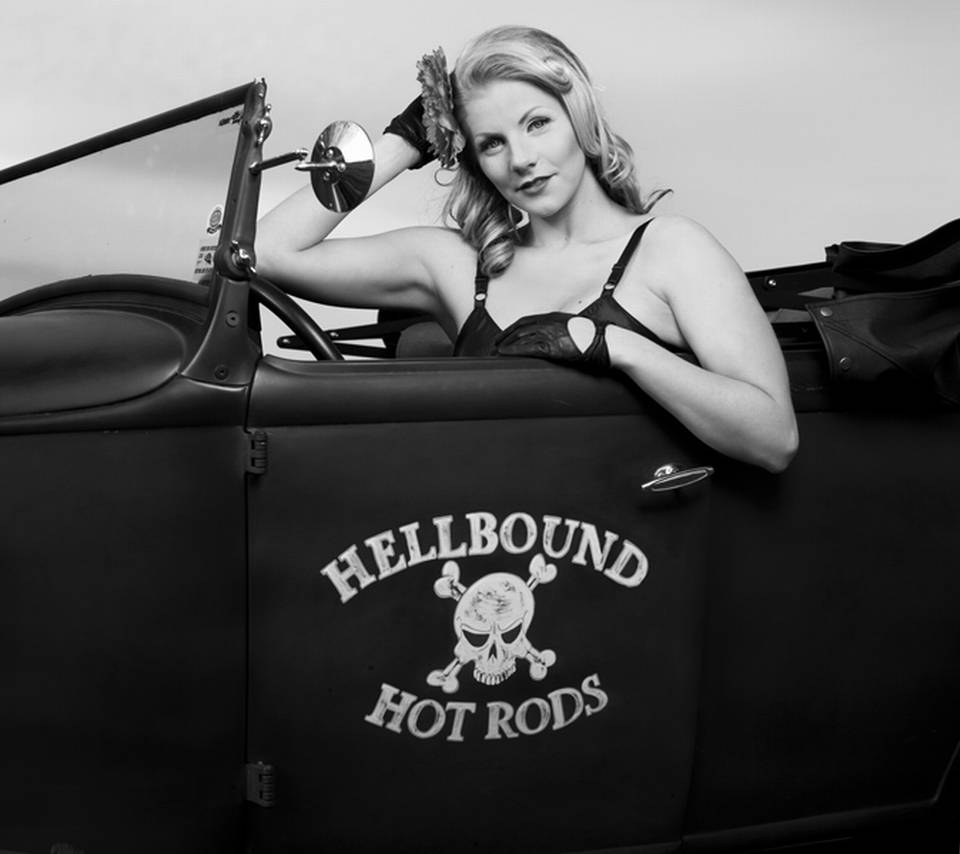 Pinup In A Hot Rod