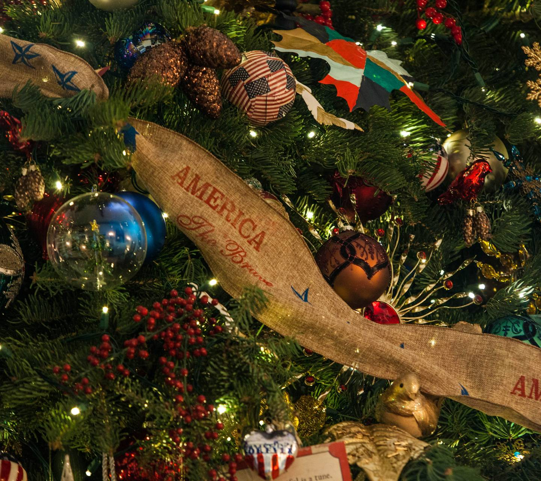 Christmas Tree Sash