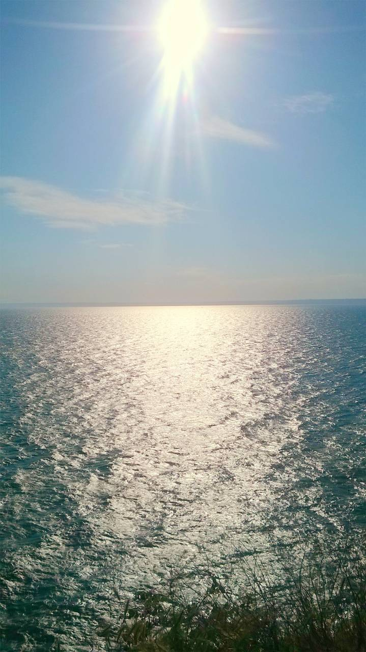 Sea sunpath