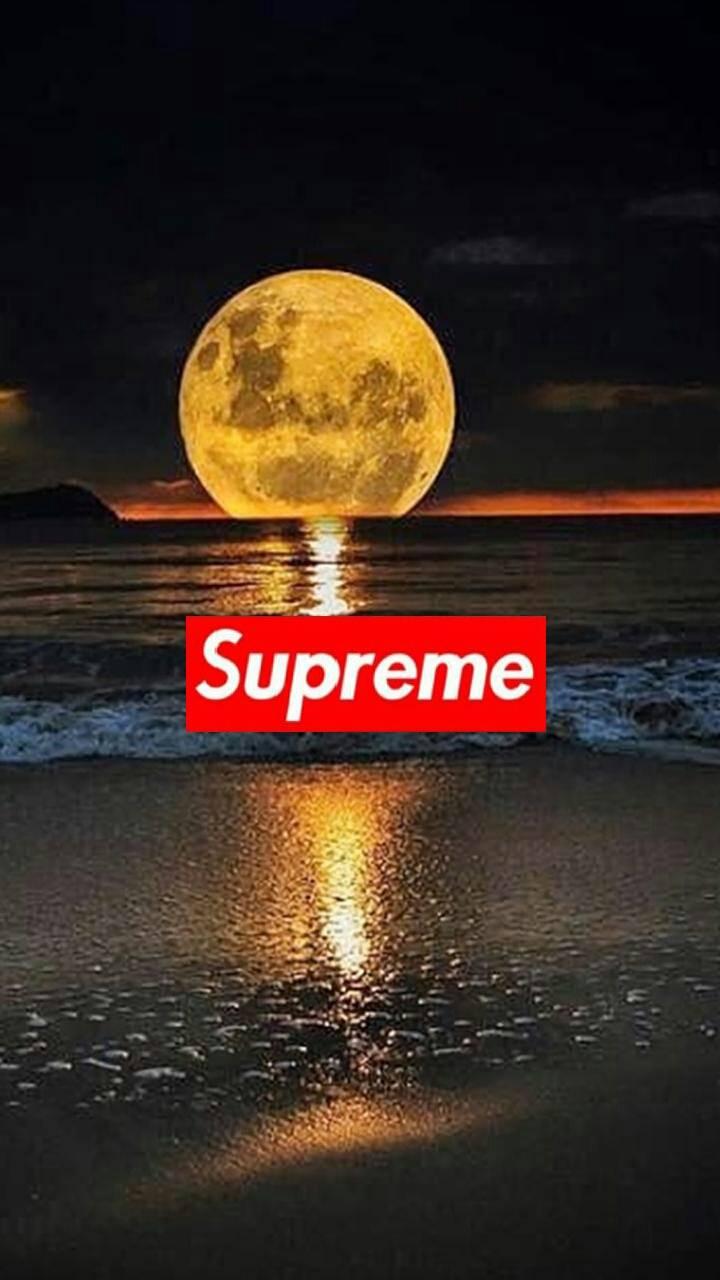 Supreme moon