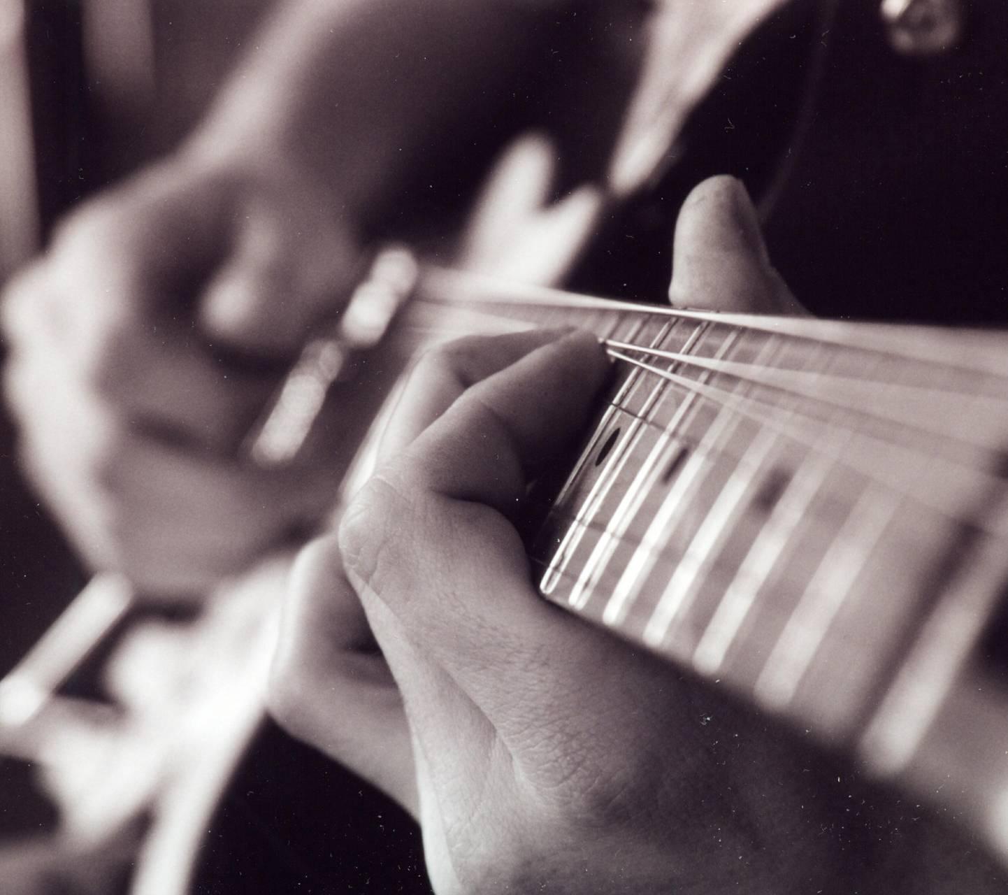 guitar hands 2