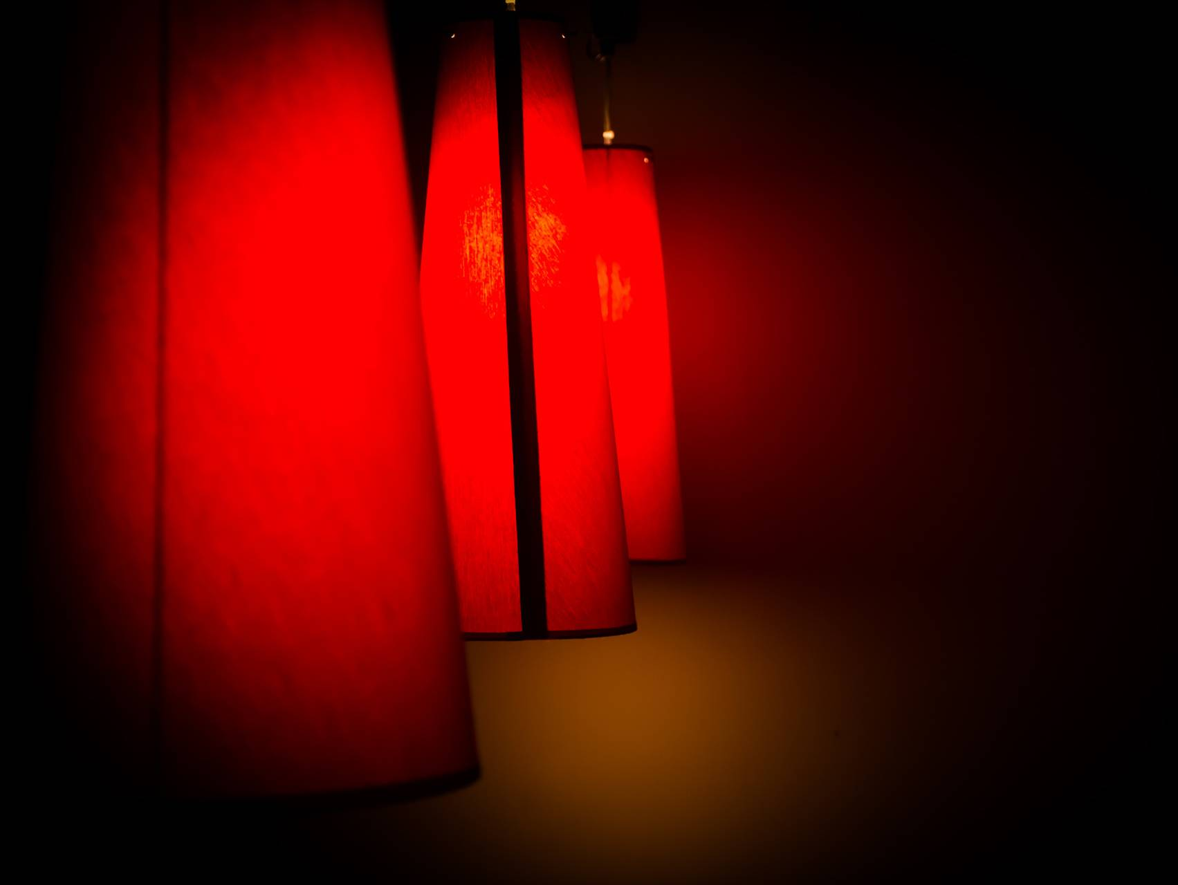 Red Lamps 320x240
