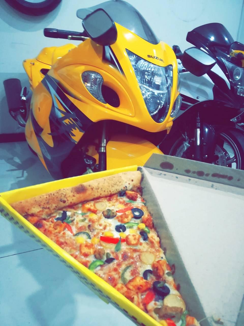 Hayabusa and pizza