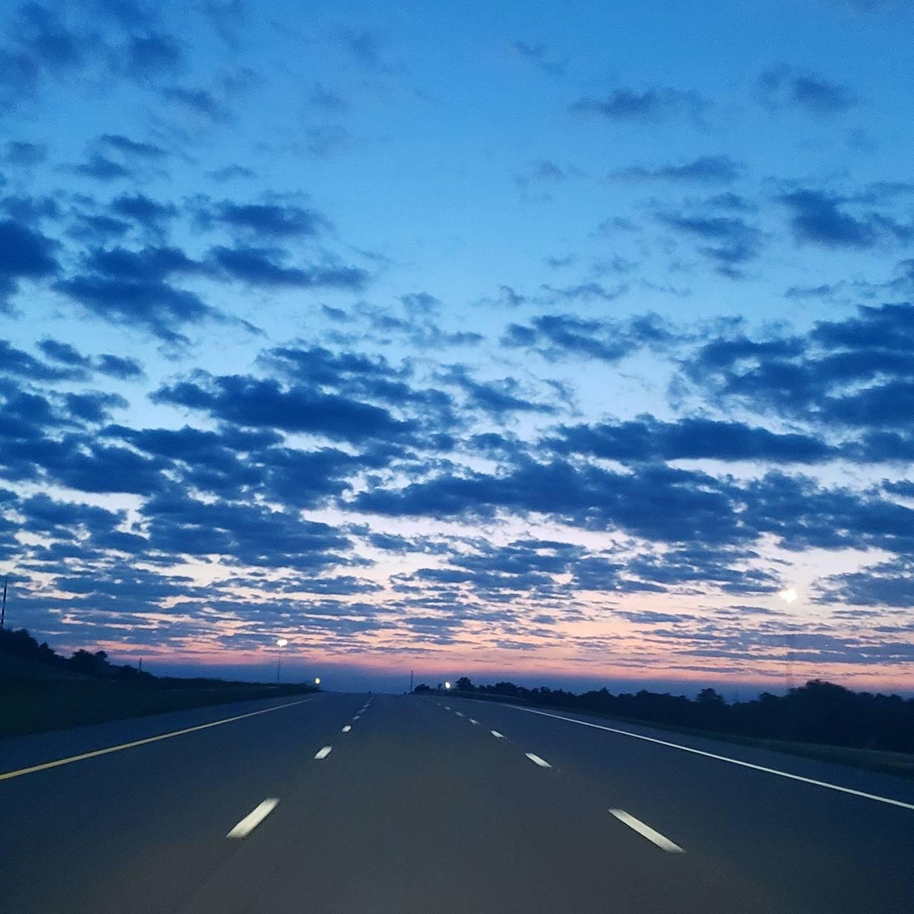 Sunset roadtrip