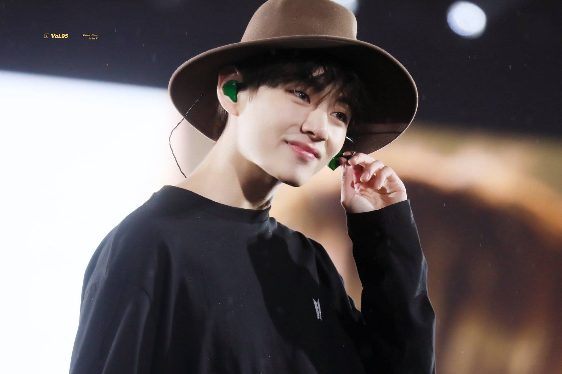 Taehyung with hat